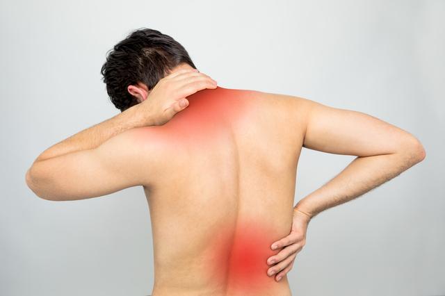 肩や腰自体が原因ではありません